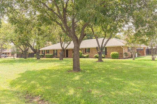 7408 Willow Oak Lane, Arlington, TX 76001 (MLS #14429896) :: The Chad Smith Team