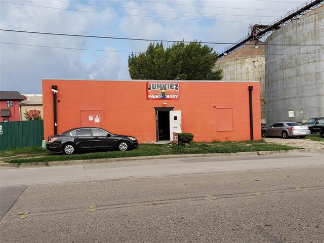 2136 S Main Street, Fort Worth, TX 76110 (MLS #14430349) :: The Kimberly Davis Group
