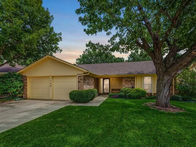 7540 Clover Lane, Watauga, TX 76148 (MLS #14430814) :: Frankie Arthur Real Estate