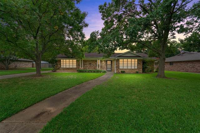 1420 Andy Drive, Sherman, TX 75092 (MLS #14431354) :: The Kimberly Davis Group