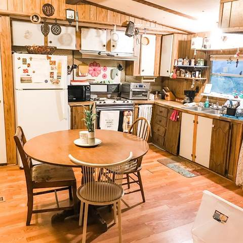 1698 J E Woody Road, Springtown, TX 76082 (MLS #14431442) :: Trinity Premier Properties