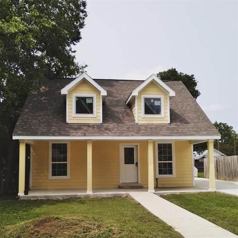 319 Ritchey Street, Gainesville, TX 76240 (MLS #14432111) :: Trinity Premier Properties