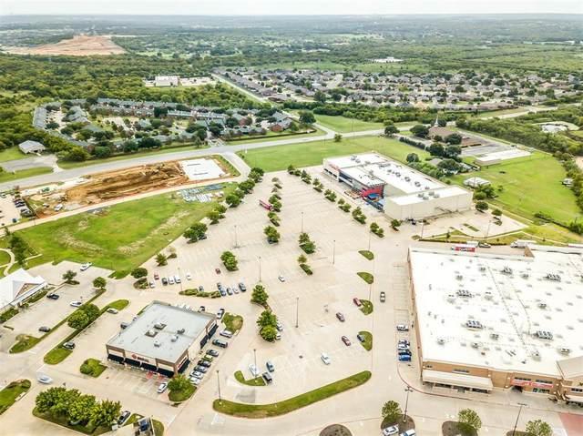 1591 Wilshire Boulevard, Burleson, TX 76028 (MLS #14432478) :: The Kimberly Davis Group