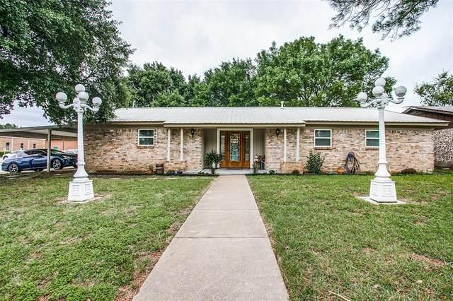 5901 Emerson Drive, Watauga, TX 76148 (MLS #14432614) :: Justin Bassett Realty