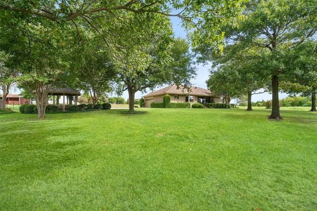 6302 Knob Hill Road, Howe, TX 75459 (MLS #14432839) :: The Mauelshagen Group