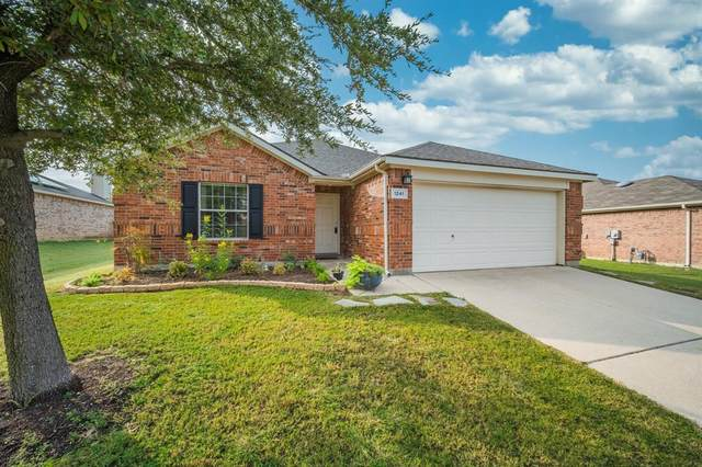 1241 Mountain Peak Drive, Fort Worth, TX 76052 (MLS #14432941) :: Frankie Arthur Real Estate