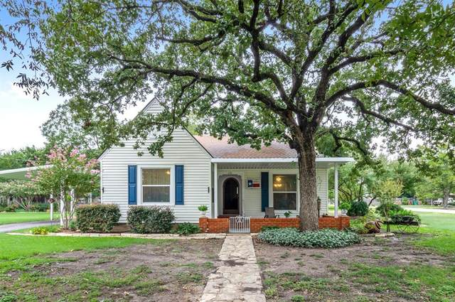 121 N Bouldin Street, Hamilton, TX 76531 (MLS #14433030) :: The Kimberly Davis Group