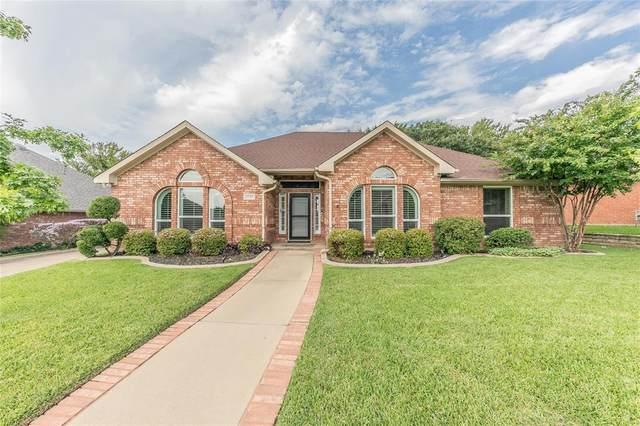 2737 Fox Glenn Court, Hurst, TX 76054 (MLS #14434055) :: The Heyl Group at Keller Williams