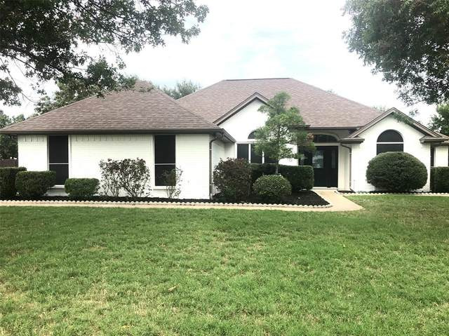 606 Monterrey Court, Granbury, TX 76049 (MLS #14434836) :: The Kimberly Davis Group