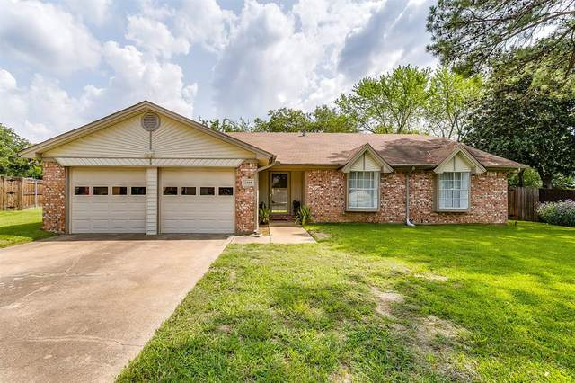 2408 Meadow View, Bedford, TX 76021 (MLS #14434979) :: The Kimberly Davis Group