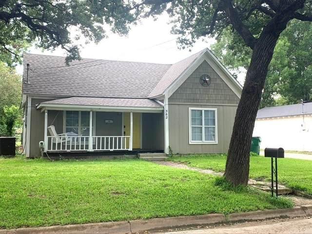 562 N Race Street, Stephenville, TX 76401 (MLS #14435696) :: Frankie Arthur Real Estate