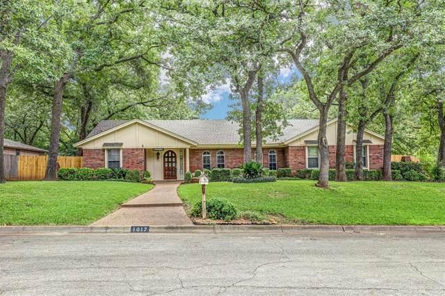 1017 Cherry Court, Hurst, TX 76053 (MLS #14436527) :: The Heyl Group at Keller Williams