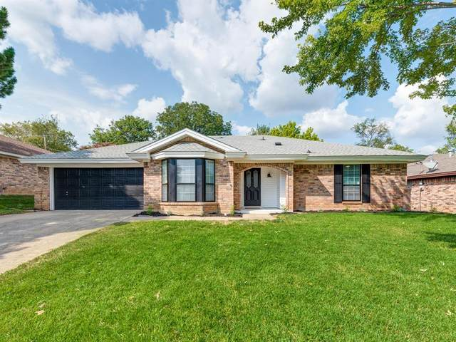 408 Mountainview Drive, Hurst, TX 76054 (MLS #14436750) :: The Heyl Group at Keller Williams