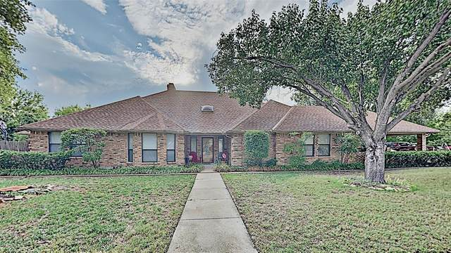 9800 Ravensway Drive, Benbrook, TX 76126 (MLS #14437082) :: Keller Williams Realty