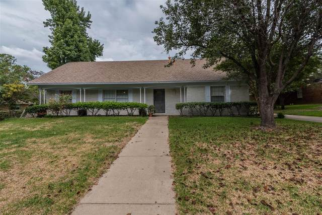 1505 Lakewood Drive, Sherman, TX 75092 (#14437199) :: Homes By Lainie Real Estate Group