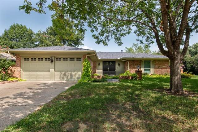 2201 Pin Oak Lane, Arlington, TX 76012 (MLS #14437225) :: Team Tiller