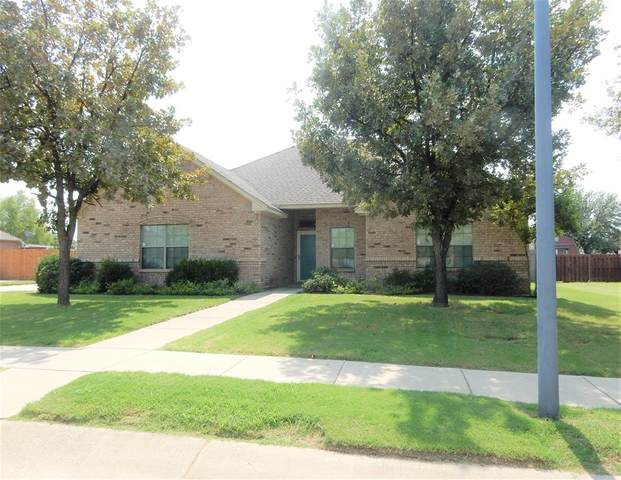 605 Acorn Street, Pilot Point, TX 76258 (MLS #14437294) :: Real Estate By Design