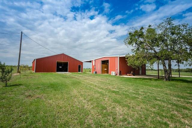 385 N Hawley Street, Walnut Springs, TX 76690 (MLS #14437347) :: Real Estate By Design