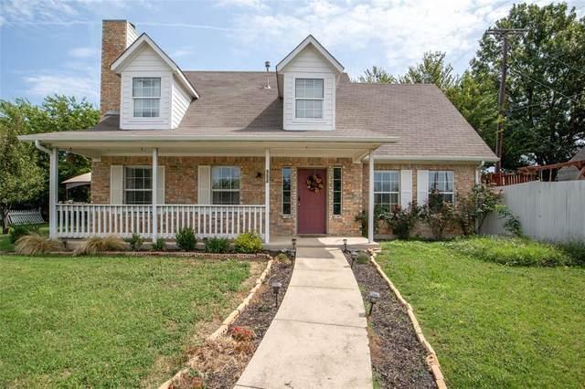 906 Audra Lane, Denton, TX 76209 (MLS #14437363) :: Trinity Premier Properties