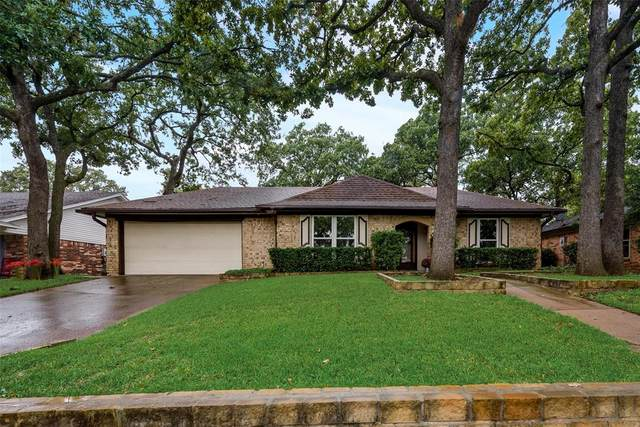 2911 Tangle Oaks Court, Bedford, TX 76021 (MLS #14437373) :: The Kimberly Davis Group