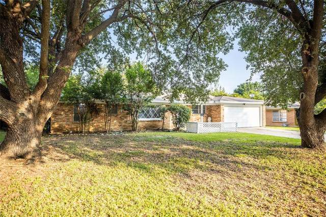 5820 Wheaton Drive, Fort Worth, TX 76133 (MLS #14437455) :: Trinity Premier Properties