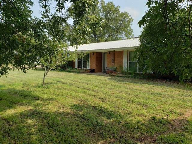 1100 N Plum Street, Millsap, TX 76066 (MLS #14437635) :: Real Estate By Design