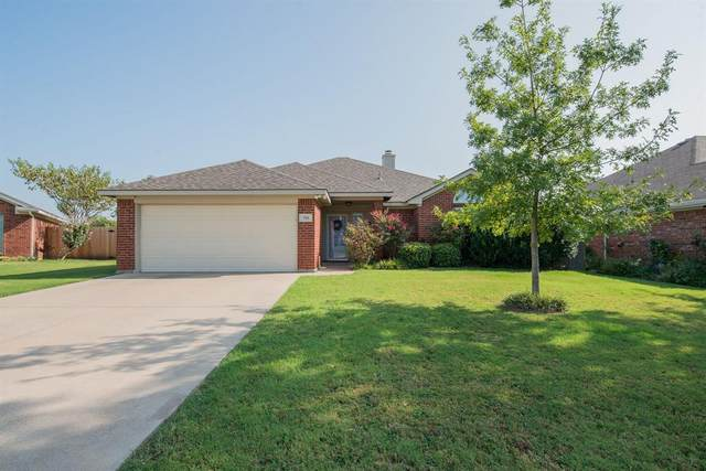 716 Creekview Drive, Burleson, TX 76028 (MLS #14437773) :: Keller Williams Realty