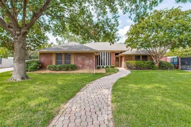 2505 Hillview Court, Denton, TX 76209 (MLS #14438126) :: Frankie Arthur Real Estate