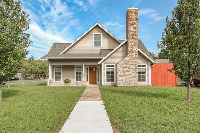 176 W Shreveport, Van Alstyne, TX 75495 (MLS #14438173) :: Robbins Real Estate Group