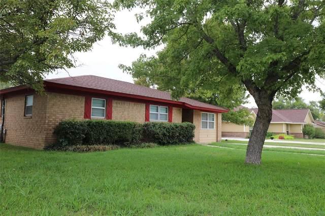 1009 Terrace Dr., Bangs, TX 76823 (MLS #14438658) :: The Kimberly Davis Group