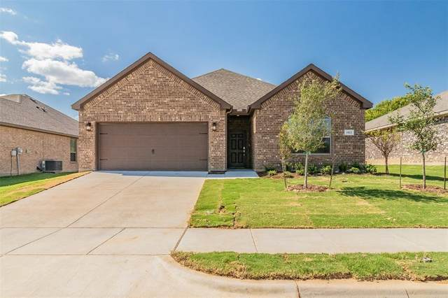 709 Dripping Springs Lane, Cleburne, TX 76033 (MLS #14438745) :: Real Estate By Design