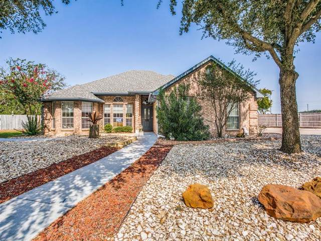 1206 W Hawk Circle, Decatur, TX 76234 (MLS #14438860) :: The Kimberly Davis Group