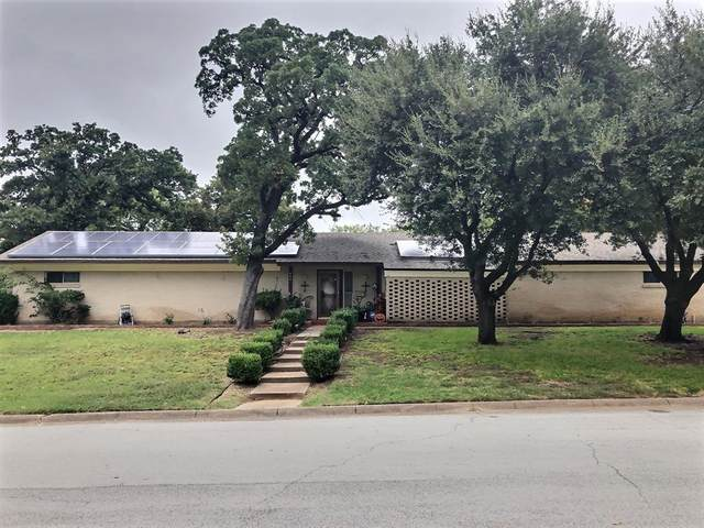 804 Eastcliff Drive, Euless, TX 76040 (MLS #14438904) :: Potts Realty Group