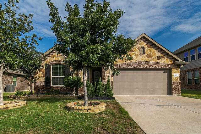 309 Pin Cushion Trail, Burleson, TX 76028 (MLS #14439285) :: Real Estate By Design