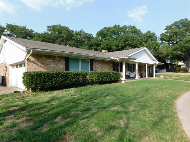 1431 Oak Hills, Graham, TX 76450 (MLS #14439358) :: The Kimberly Davis Group