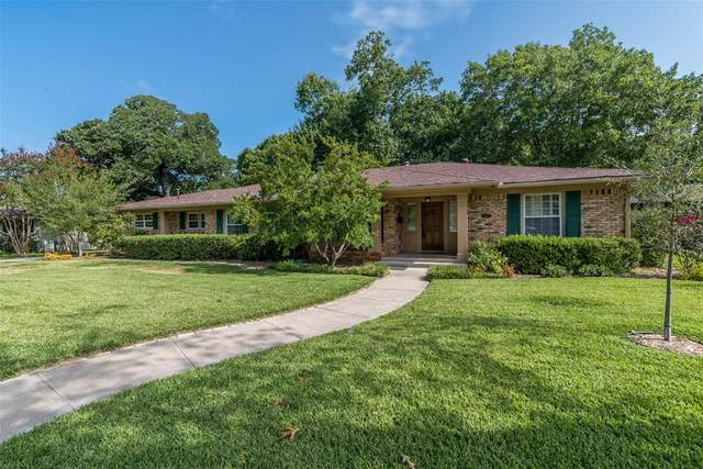 1411 Western Hills Drive, Sherman, TX 75092 (#14439418) :: Homes By Lainie Real Estate Group