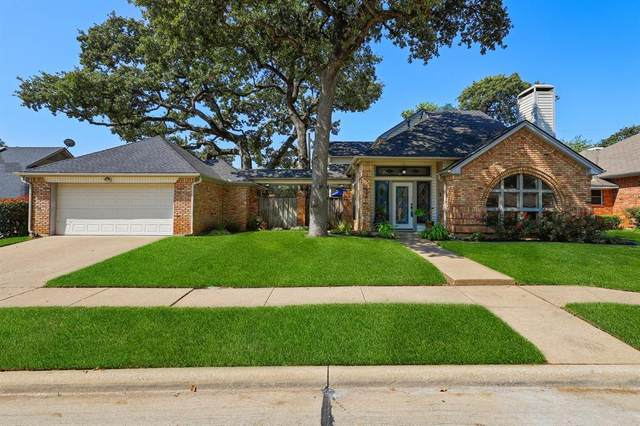 1209 Churchill Drive, Irving, TX 75060 (#14439613) :: Homes By Lainie Real Estate Group