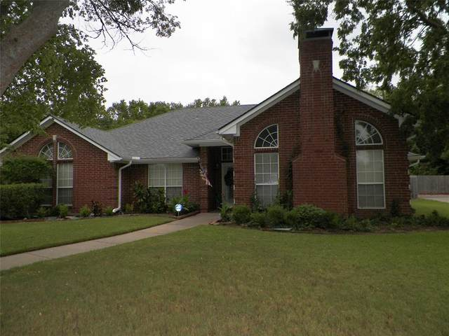 1730 Archer Drive, Sherman, TX 75092 (#14440238) :: Homes By Lainie Real Estate Group