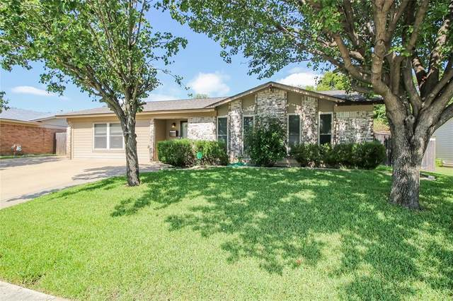 321 Harris Drive, Crowley, TX 76036 (MLS #14440697) :: The Mitchell Group
