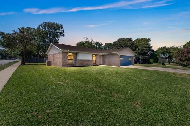 7401 Rhonda Court, Watauga, TX 76148 (MLS #14441162) :: Real Estate By Design