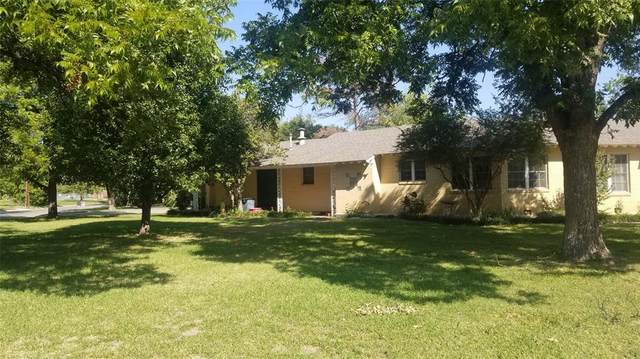 2200 Elizabeth Drive, Brownwood, TX 76801 (MLS #14441256) :: The Paula Jones Team | RE/MAX of Abilene
