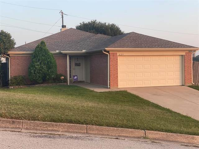 629 Cedar Ridge Lane, Burleson, TX 76028 (MLS #14442184) :: The Hornburg Real Estate Group