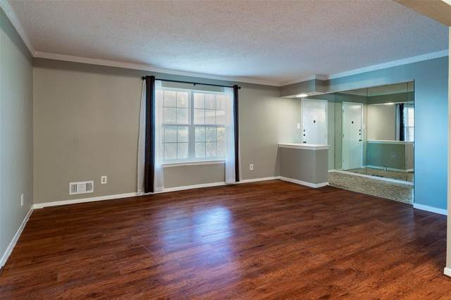 5818 E University Boulevard #140, Dallas, TX 75206 (MLS #14442453) :: The Mitchell Group