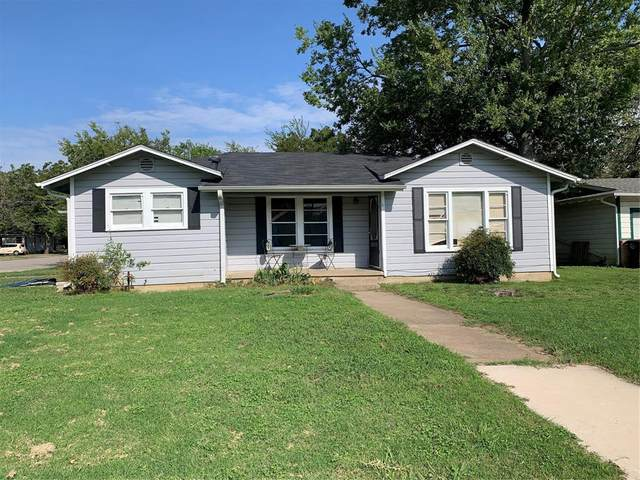 1030 Poindexter Avenue, Cleburne, TX 76033 (MLS #14442737) :: The Good Home Team