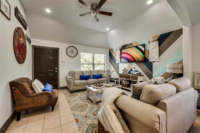 3201 Bois D Arc Street, Greenville, TX 75401 (MLS #14443375) :: Maegan Brest   Keller Williams Realty