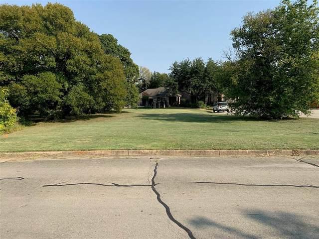 7651 Woodberry Court, Fort Worth, TX 76112 (MLS #14443634) :: Team Hodnett