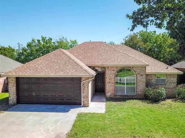 906 Bayfield Drive, Denton, TX 76209 (MLS #14443678) :: Team Tiller