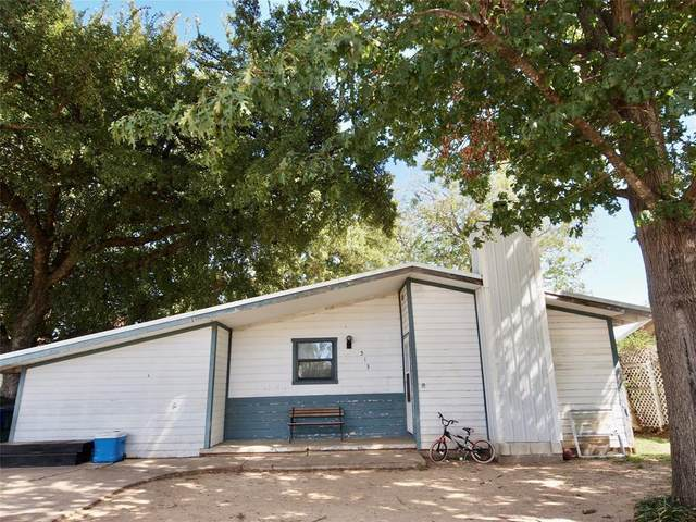 513 Hall Street, Graham, TX 76450 (MLS #14443750) :: The Kimberly Davis Group