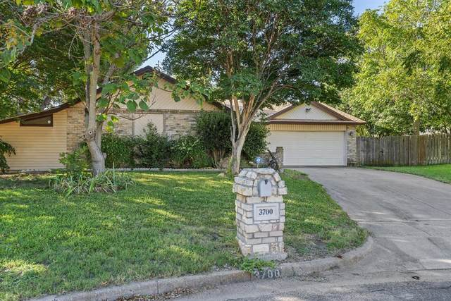 3700 Misty Court, Fort Worth, TX 76133 (MLS #14444416) :: Maegan Brest | Keller Williams Realty