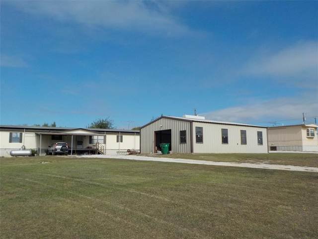 4210 Highland Lakes Drive, Cresson, TX 76035 (#14444447) :: Homes By Lainie Real Estate Group